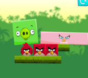Angry Birds Kick Piggies